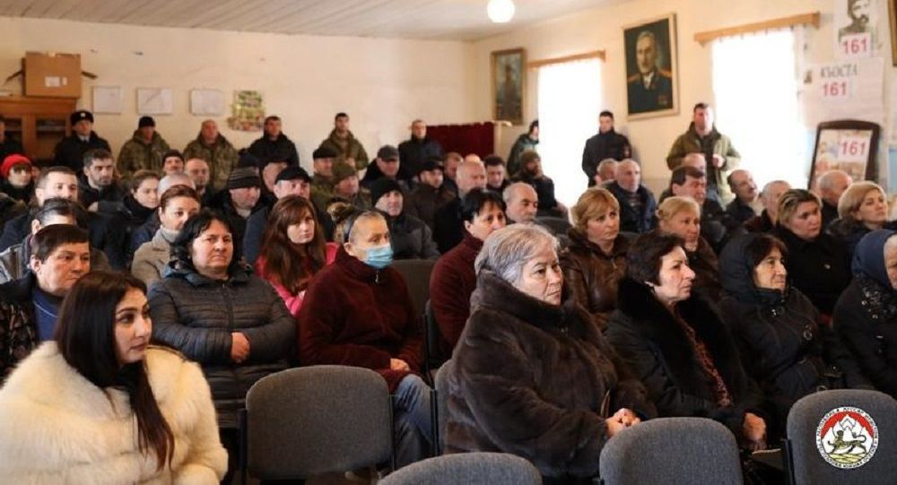 Президент Анатолий Бибилов провел встречу с населением Цхинвальского района