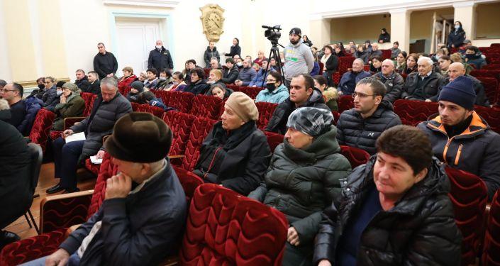 Встреча Анатолия Бибилова с жителями города Квайса
