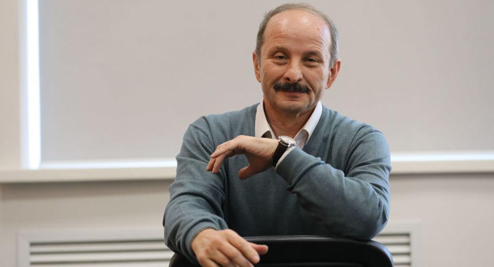 Роберт Кулумбегов
