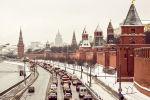 Вид на Кремлевскую набережную с Большого Москворецкого моста