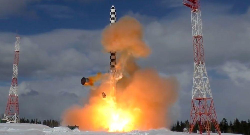 Запуск тяжелой межконтинентальной баллистической ракеты Сармат. Архивное фото