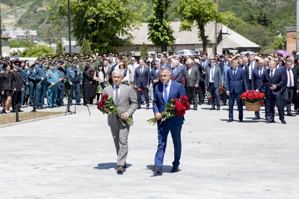 Открытие мемориала защитникам Отечества