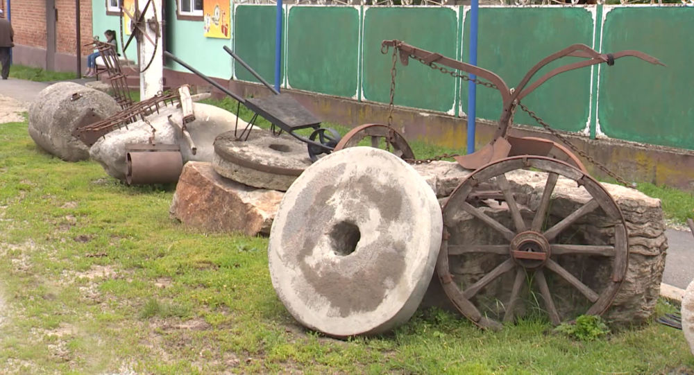 Цæгатирыстойнаг коллекционер бакодта гом арвы бын музей