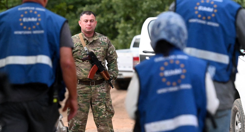 Грузинская полиция на границе с Южной Осетией