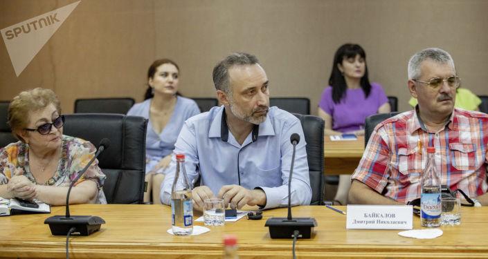 Встреча писателей ДНР с общественностью в Цхинвале