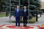 Почетный караул и переговоры: визит президента Абхазии в Южную Осетию - видео