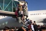 Толпы людей и выстрелы в воздух: что происходит в кабульском аэропорту - видео