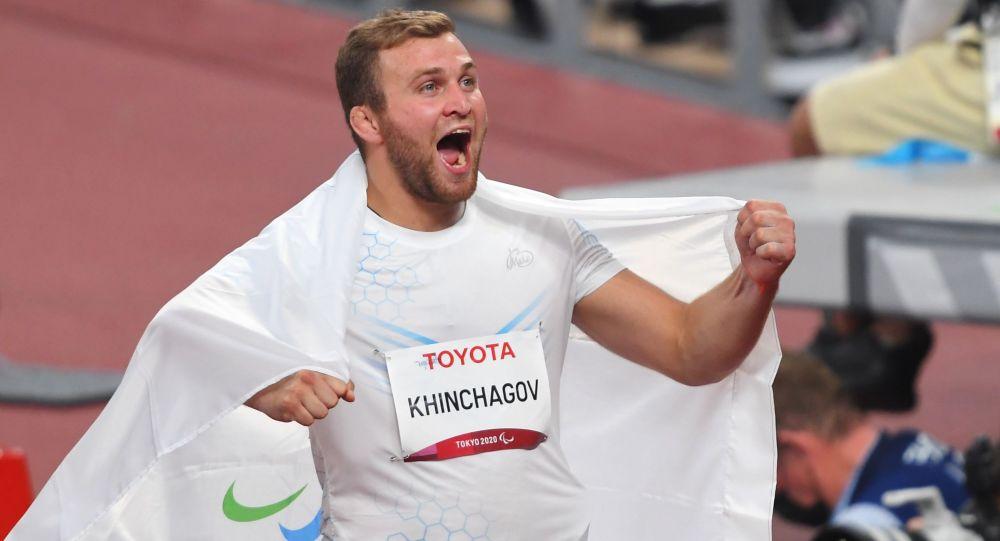 Альберт Хинчагов в финале соревнований по толканию ядра среди мужчин в классе F37 на XVI летних Паралимпийских играх
