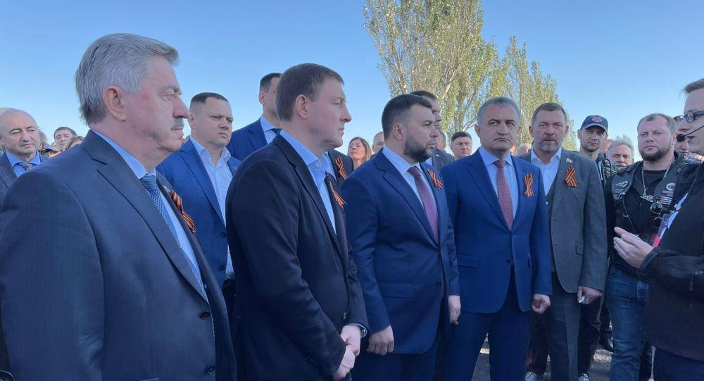 Бибилов прибыл в Донецк на празднование Дня освобождения Донбасса