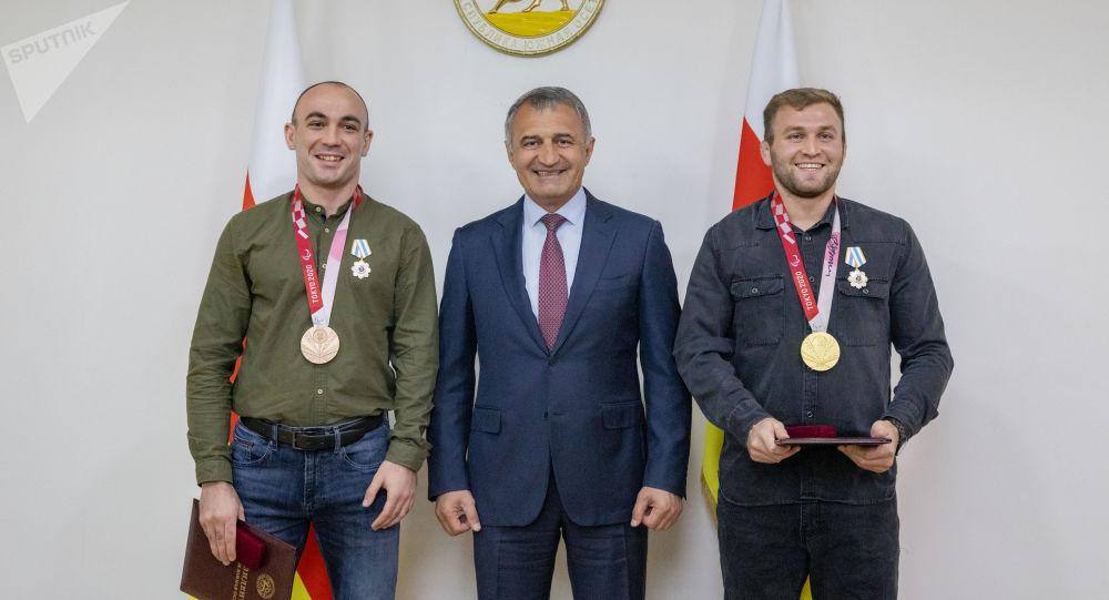 Награждение осетинских паралимпийцев