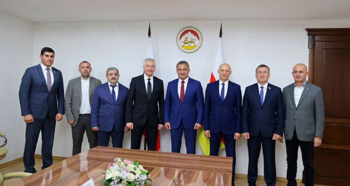 Встреча Анатолия Бибилова с делегацией Северной Осетии