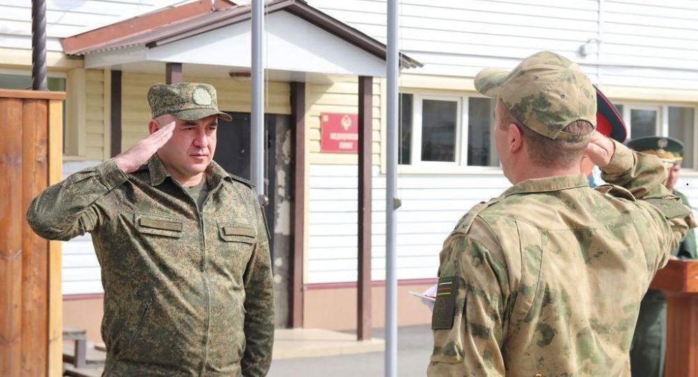 В Минобороны Южной Осетии в ознаменование Дня Республики наградили военнослужащих