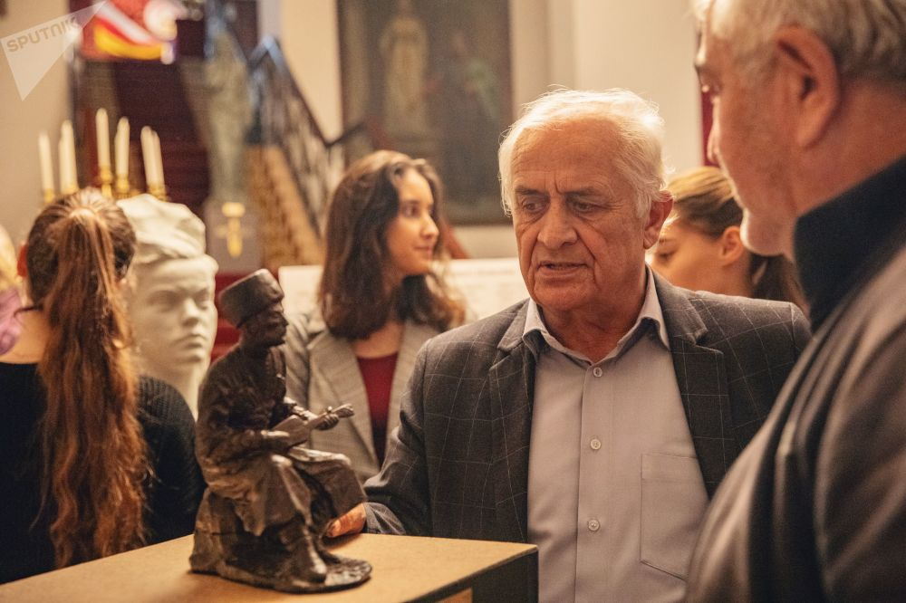 Открытие персональной выставки Василия Кокоева