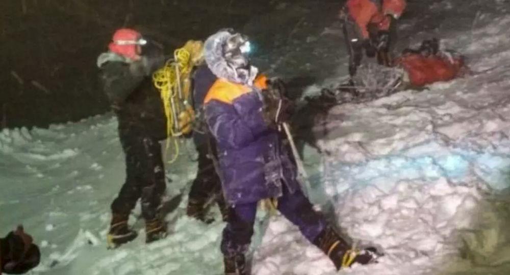 Выживший на Эльбрусе альпинист рассказал подробности трагедии