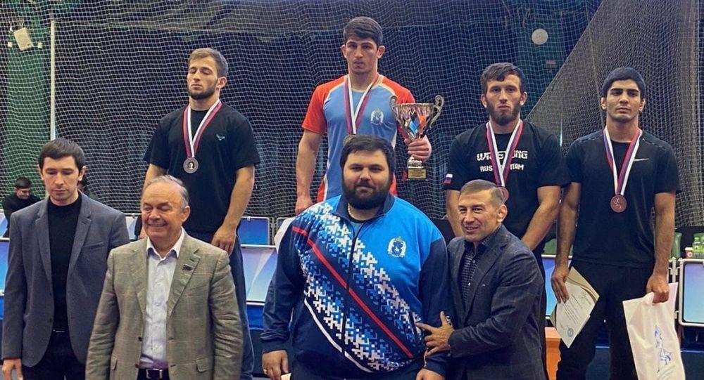 В Казани завершился всероссийский турнир по греко-римской борьбе среди юниоров памяти М.М. Сахабутдинова