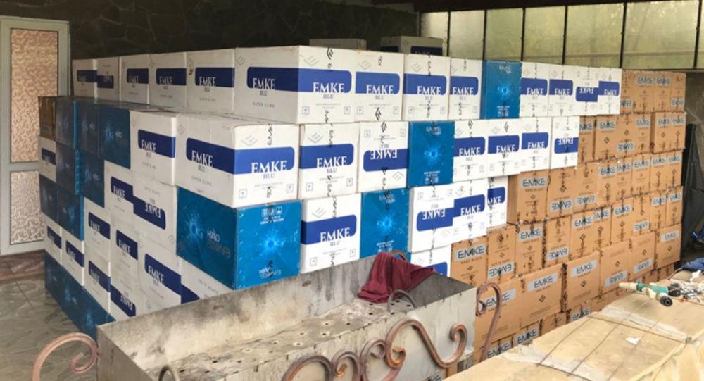 В Северной Осетии сотрудниками УЭБ и ПК МВД по РСО-Алания пресечена деятельность сигаретного контрабандиста с оборотом свыше 50 млн рублей