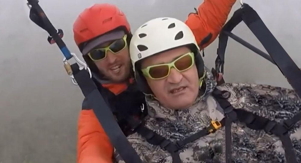 Анатолий Бибилов совершил прыжок с высоты 1500 метров
