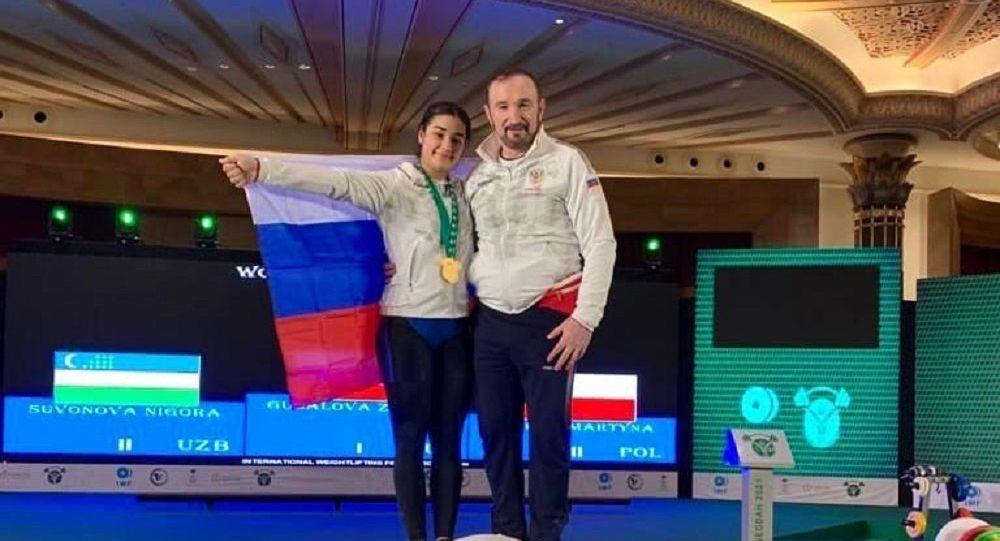 Зарина Гуссалова выиграла первенство мира по тяжелой атлетике