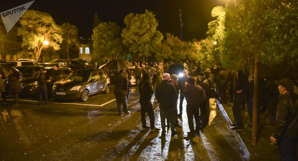 Конфликт между депутатом парламента и сотрудниками МВД в Абхазии