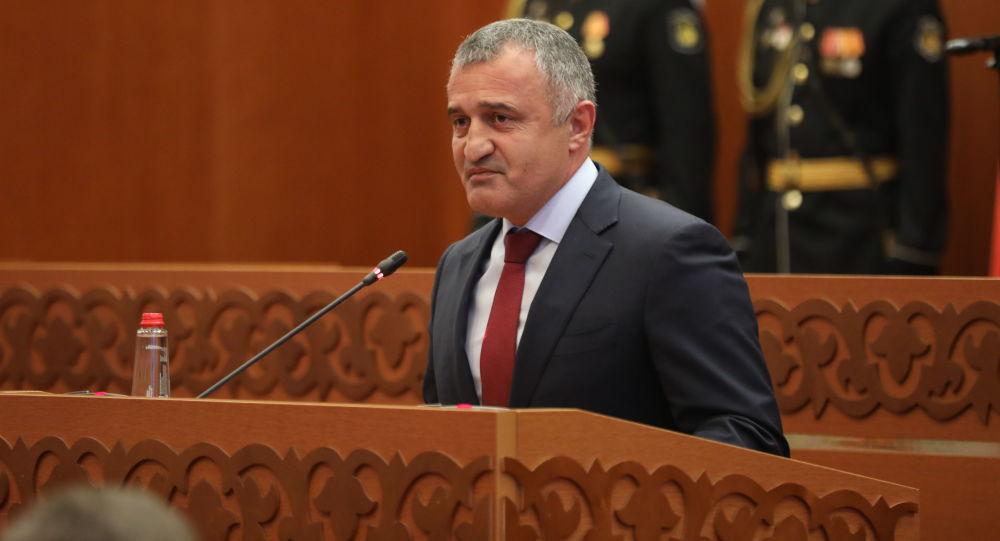 Анатолий Бибилов принял участие в церемонии вступления в должность главы Дагестана Сергея Меликова