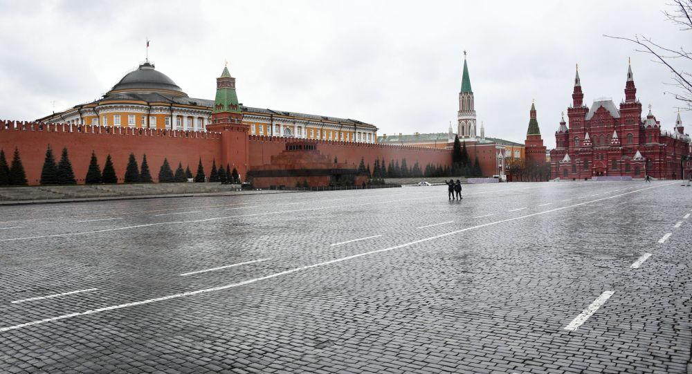 Красная площадь в Москве во время режима самоизоляции жителей