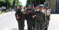 Курсанты Рязанского училища ВДВ из Южной Осетии на репетиции парада в Цхинвале