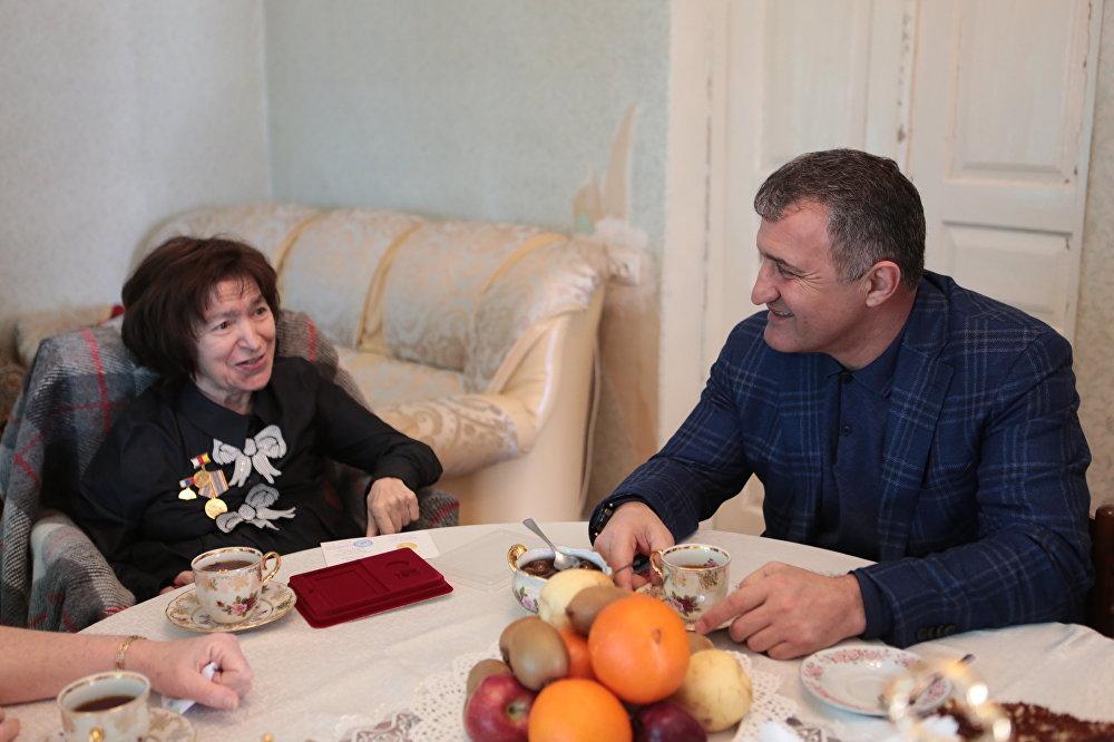 Президент Южной Осетии Анатолий Бибилов встретился с композитором Жанной Плиевой
