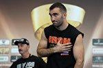 Боксер Мурат Гассиев (Россия) во время открытой тренировки участников финала Всемирной боксерской суперсерии в Москве.