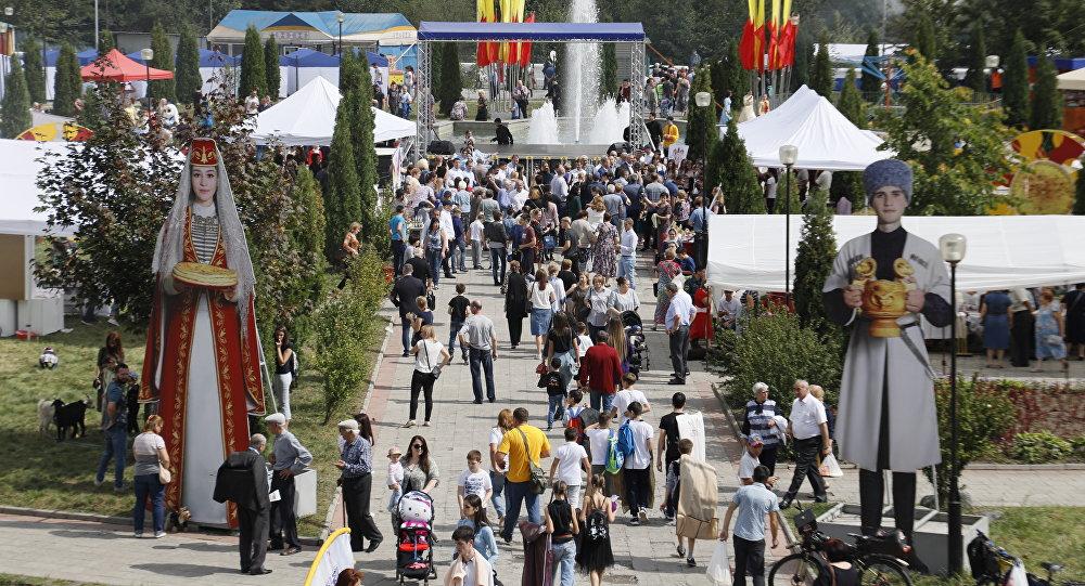 Во Владикавказе открылся Фестиваль осетинских пирогов, сыра и пива