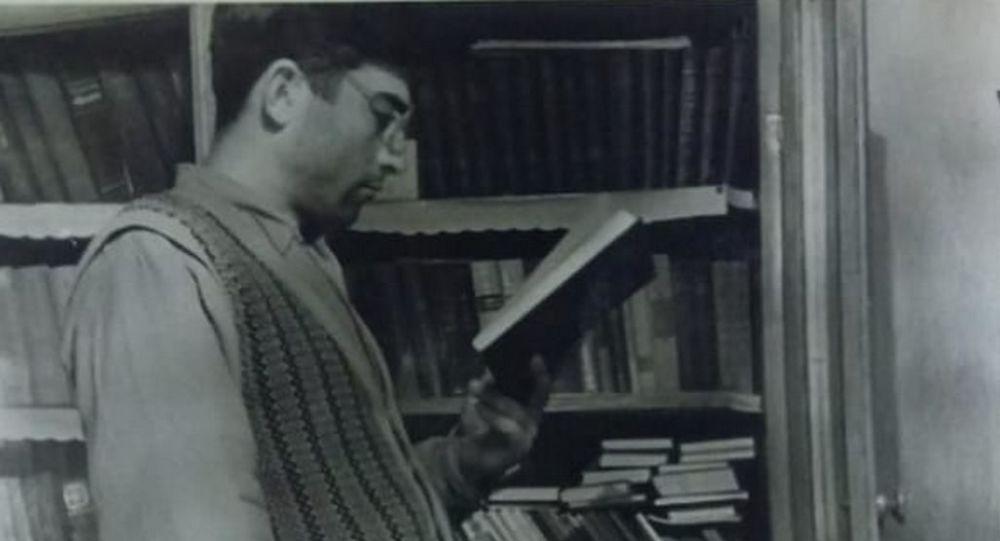 Поэт Исидор Козаев