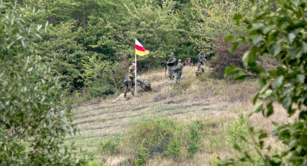 Пограничники Южной Осетии в селе Цнелис