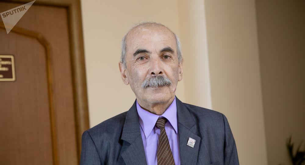 Борис Лолоев