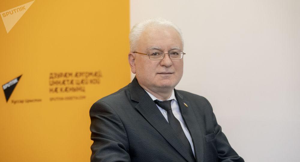 Мурат Ванеев