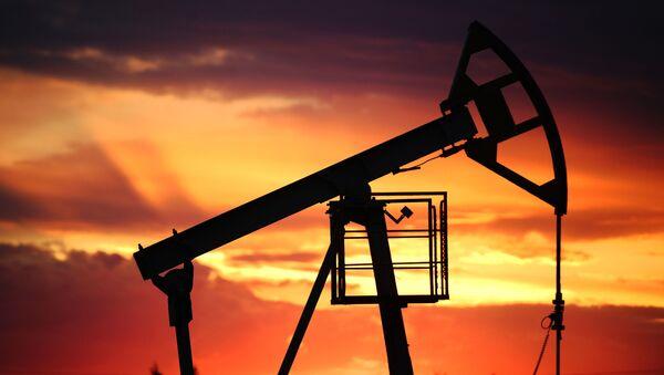 Добыча нефти, архивное фото - Sputnik Южная Осетия
