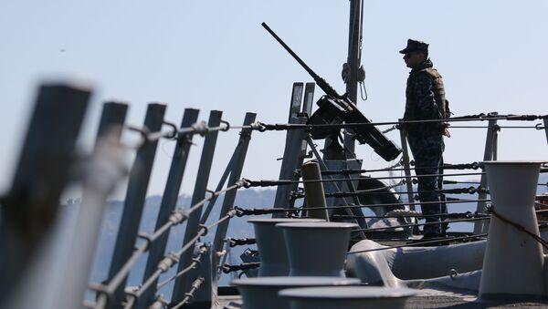 Моряк американских ВМС на учениях - Sputnik Южная Осетия