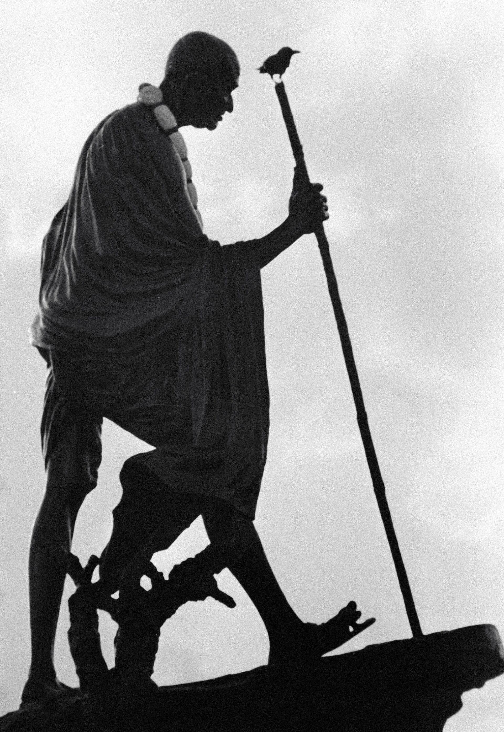 Памятник выдающемуся борцу за независимость Индии Махатме Ганди  - Sputnik Южная Осетия, 1920, 26.10.2021