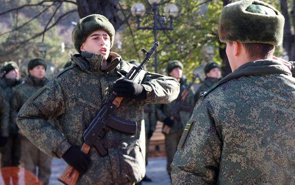 На Аллее Славы прошла репетиция приведения новобранцев к присяге - Sputnik Южная Осетия
