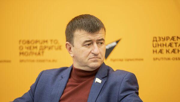 Петр Гассиев - Sputnik Южная Осетия