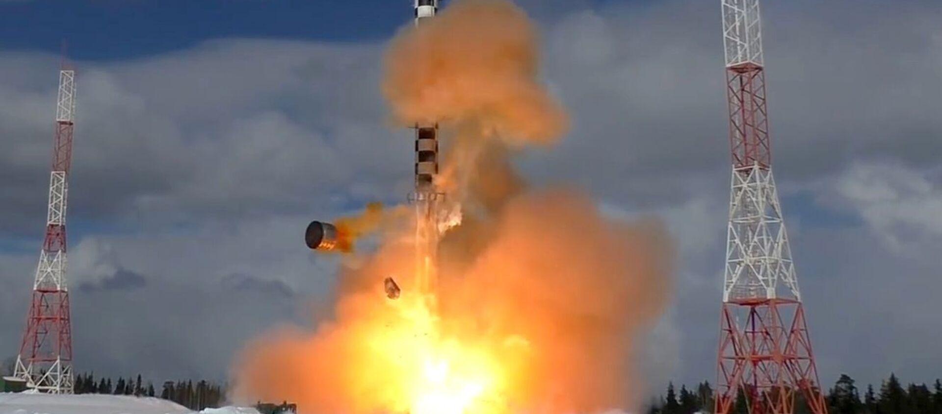 Запуск тяжелой межконтинентальной баллистической ракеты Сармат. Архивное фото - Sputnik Южная Осетия, 1920, 01.04.2021