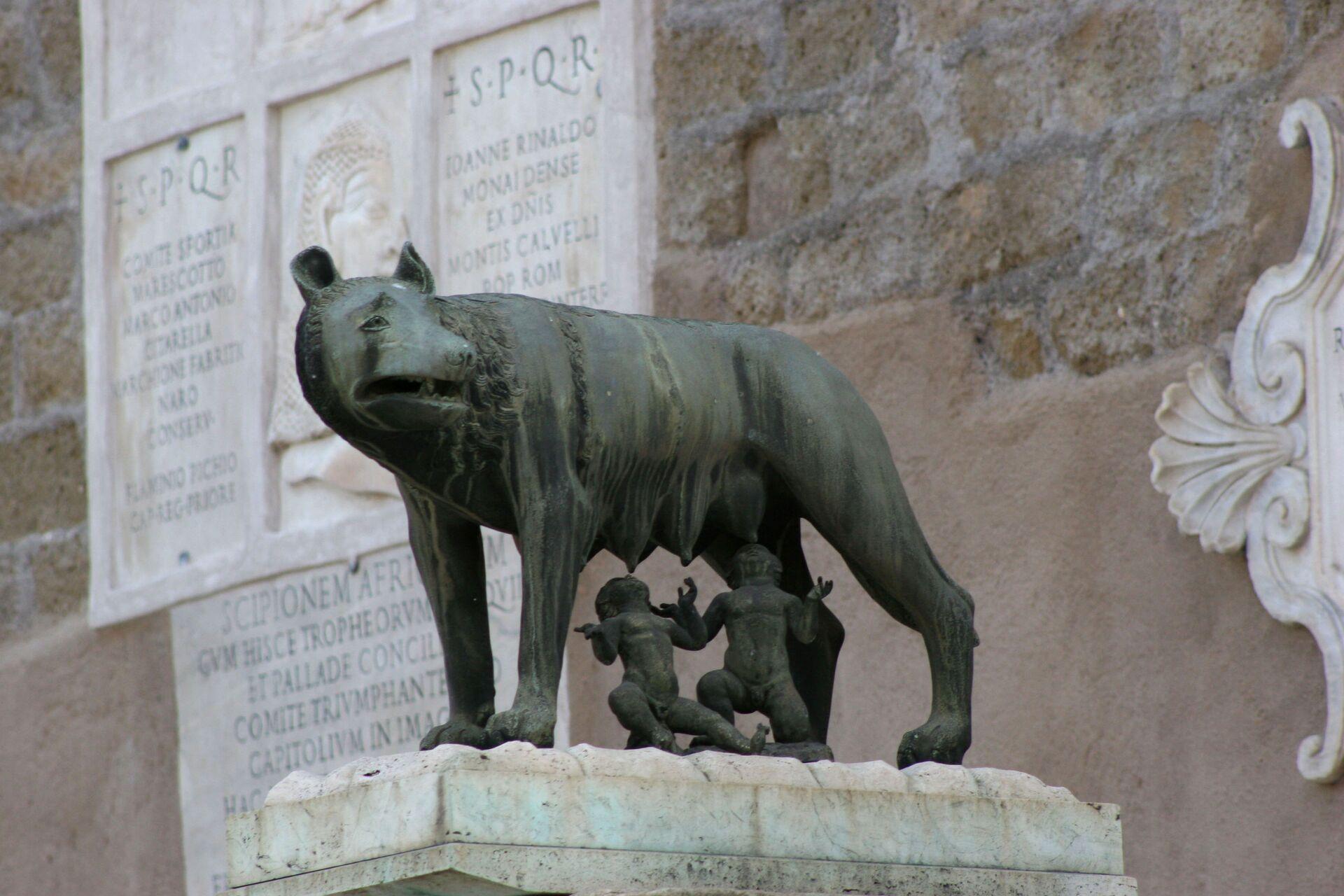 Скульптура Капитолийской волчицы в Риме - Sputnik Южная Осетия, 1920, 26.10.2021