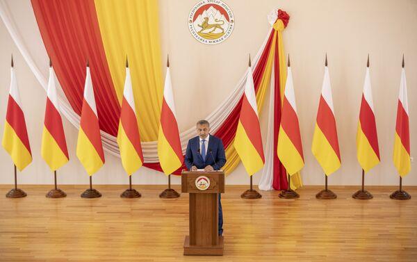 Послание президента Южной Осетии Анатолия Бибилова к народу и парламенту - Sputnik Южная Осетия
