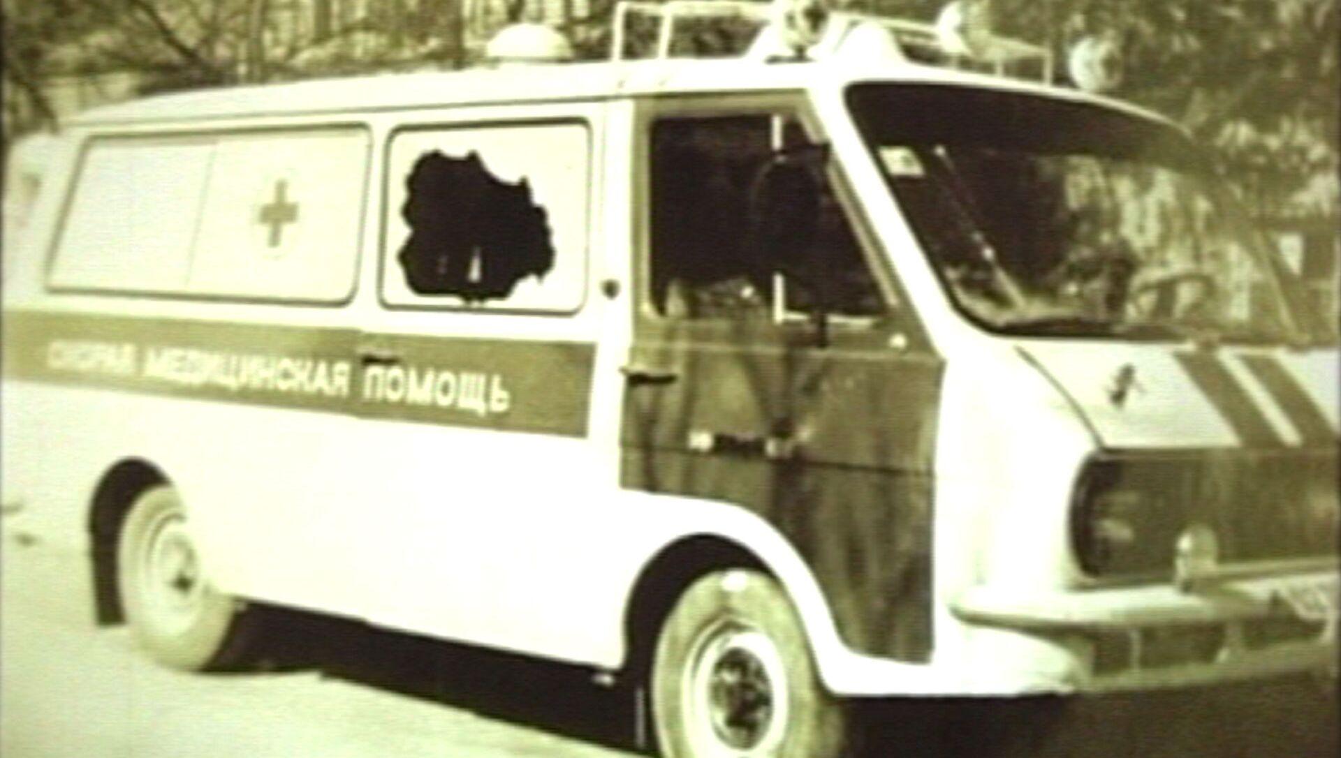 Расстрелянная машина скорой помощи в Цхинвале. Архивное фото - Sputnik Южная Осетия, 1920, 09.06.2021