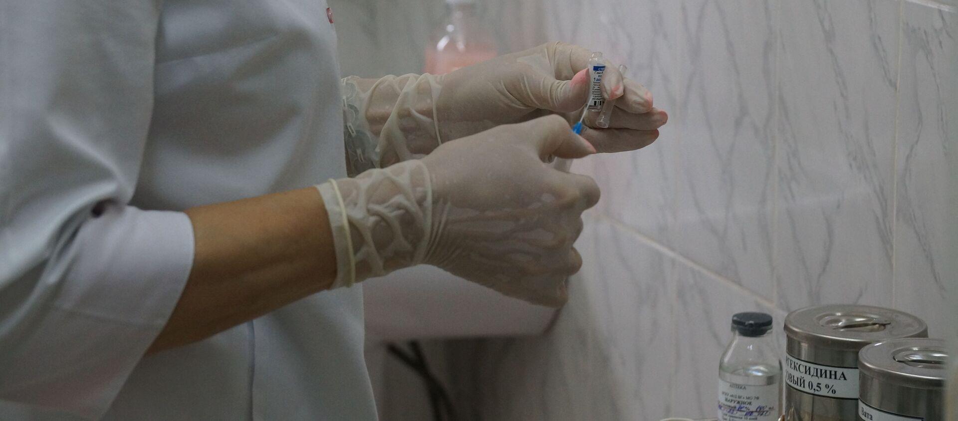 Новобранцев на Кавказе прививают от коронавируса: вакцину поставили уже 800 человек - видео - Sputnik Южная Осетия, 1920, 08.07.2021