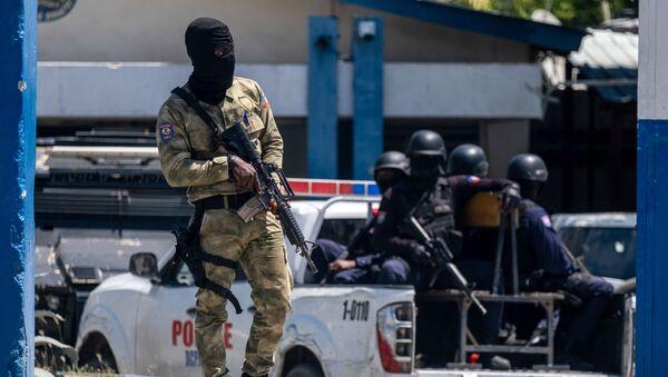 Полиция в Порт-о-Пренсе - Sputnik Южная Осетия