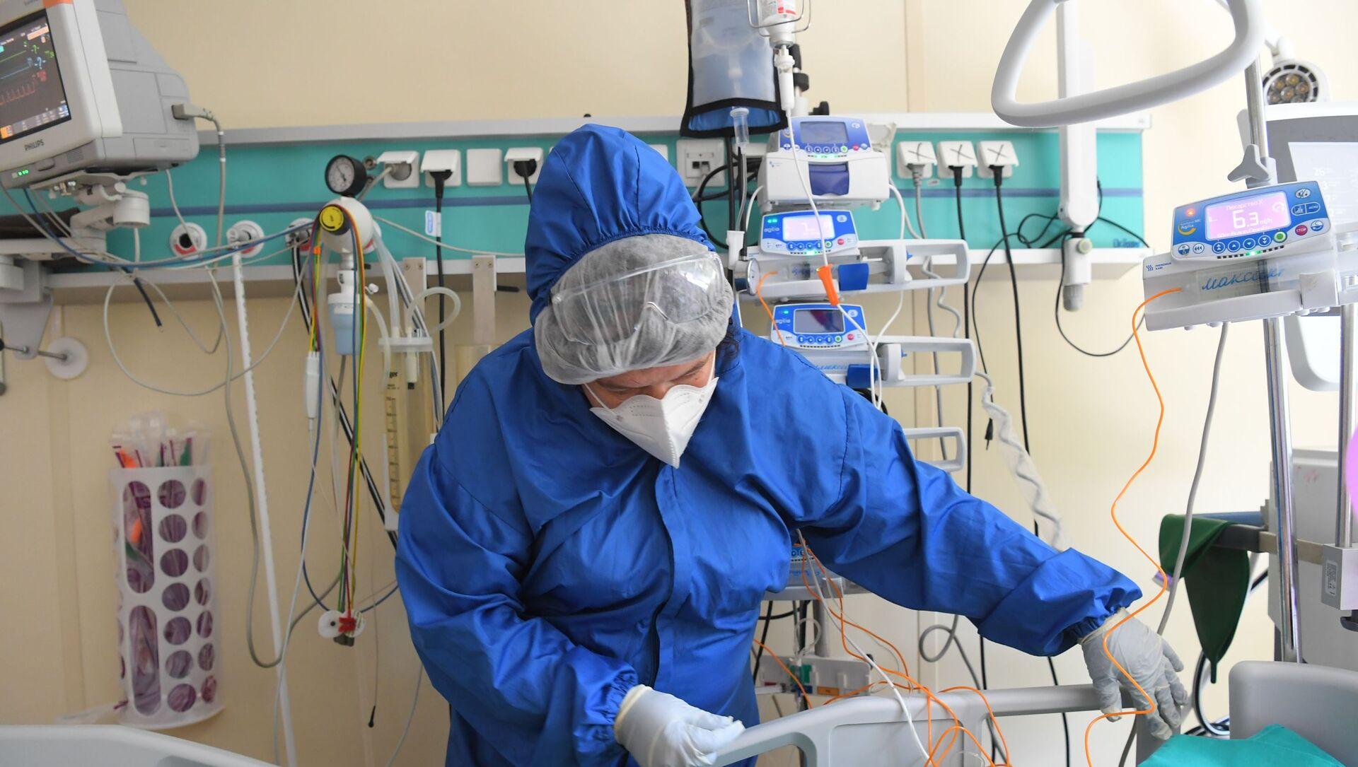 Лечение больных с COVID-19 в ГКБ №52 - Sputnik Южная Осетия, 1920, 14.07.2021