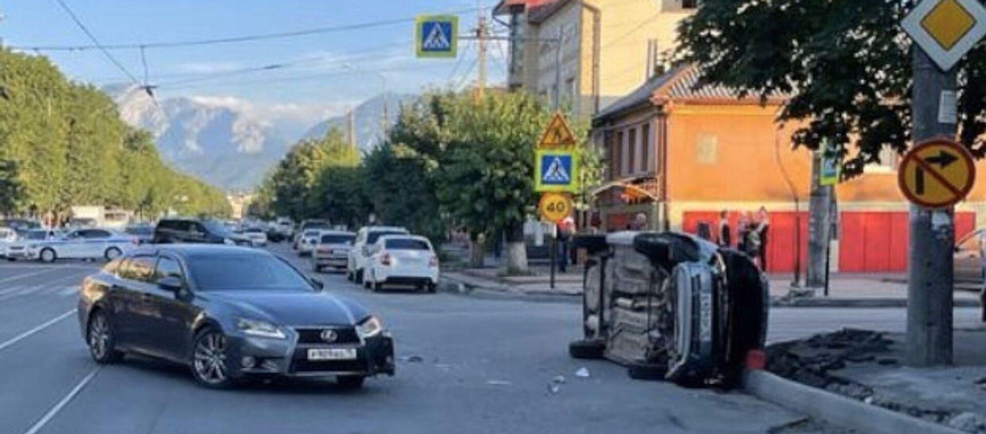 Два человека пострадали в ДТП во Владикавказе   - Sputnik Южная Осетия, 1920, 16.07.2021