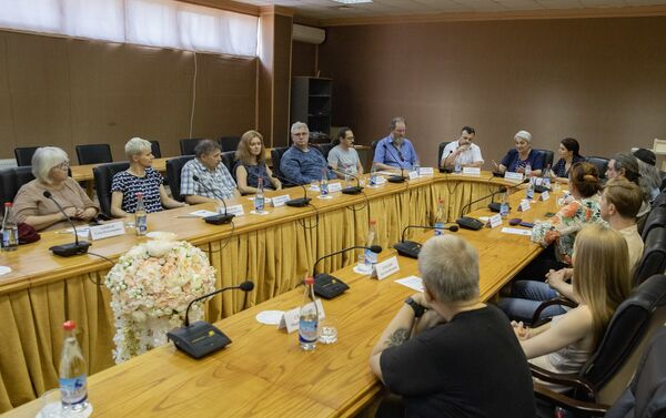 Встреча писателей ДНР с общественностью в Цхинвале - Sputnik Южная Осетия
