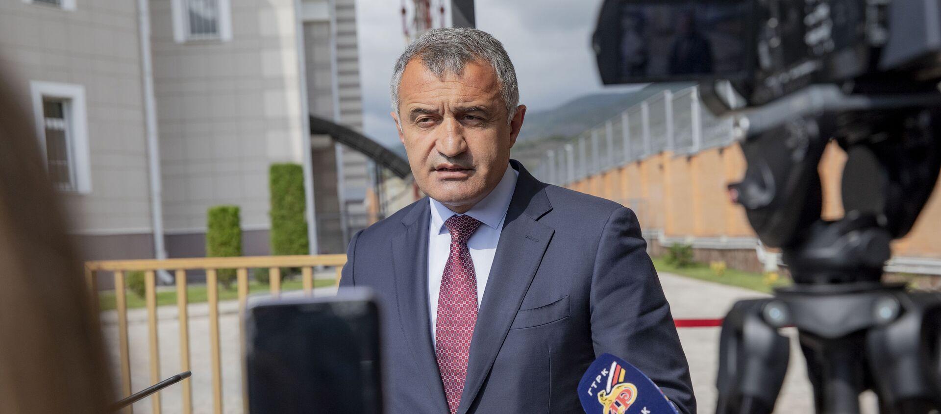 Президент Южной Осетии проголосовал на выборах в Госдуму РФ - Sputnik Южная Осетия, 1920, 17.09.2021