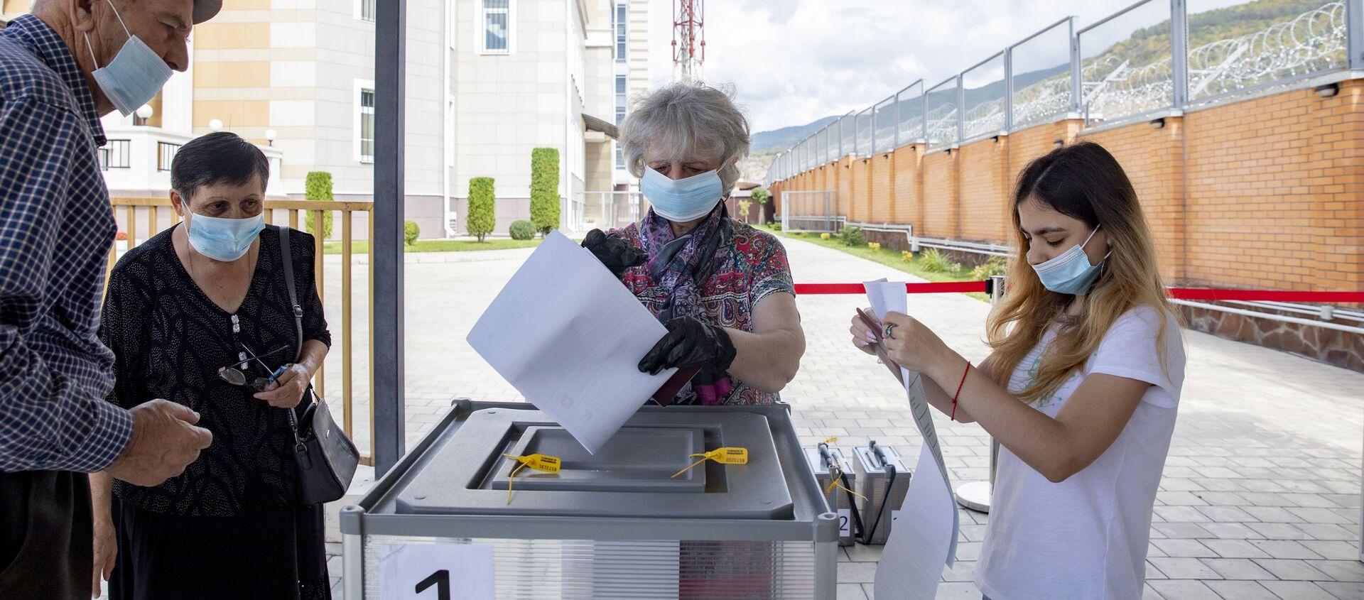 Голосование по выборам в Госдуму РФ в Южной Осетии - Sputnik Южная Осетия, 1920, 18.09.2021
