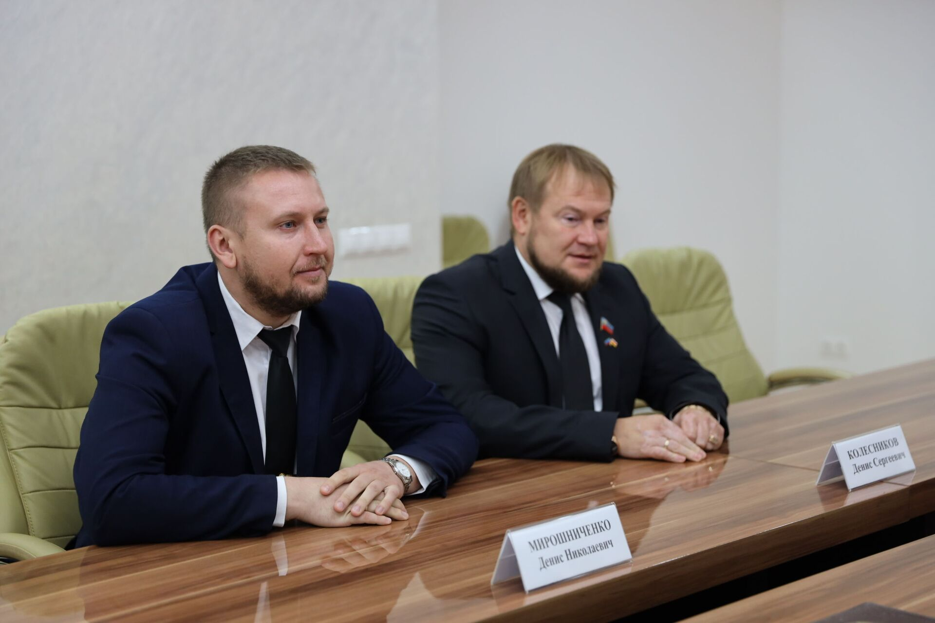 Встреча Анатолия Бибилова с делегацией ЛНР - Sputnik Южная Осетия, 1920, 26.10.2021